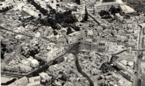 Naxxar, piazza della parrocchia, 1975