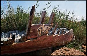 Triscina ( Castelvetrano ), resti di barcone