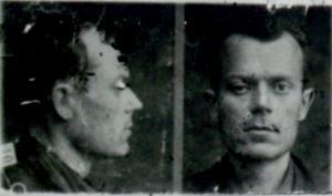 Sandro Pertini nelle foto segnaletiche della polizia fascista dopo il suo arresto (CPC.ArchivioCentrale dello Stato,Roma)