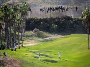 Campo di golf adiacente alla frontiera (foto Palazòn)
