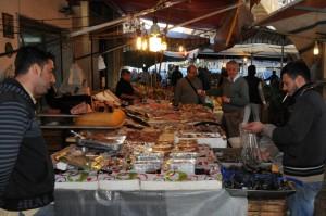 Mercato-del-Capo,viaPorta-Carini (foto-S.-Plano)