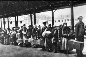 Migranti a Ellis Island, 1892