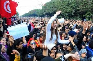 Giovani tunisini in agitazione