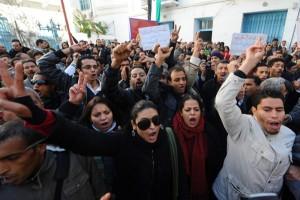 Tunisi, proteste dei movimenti giovanili