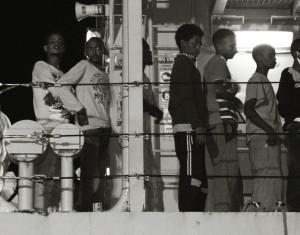 Giovani migranti in arrivo (foto E. Gluszak Castanga)
