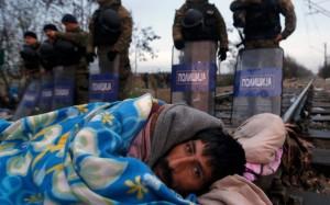 Idomeni (Grecia), confine greco-macedone. I migranti bloccati alla frontiera (Fonte america.aljazeera.com)