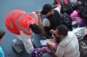 Migranti soccorsi da operatori dell' Ordine di Malta