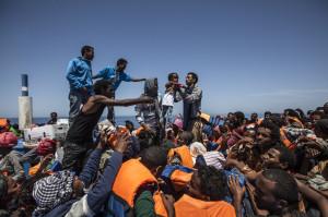 Migranti-eritrei-soccorsi-a-sud-di-lampedusa-Moas