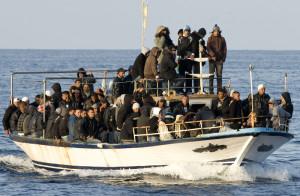 Un barcone salpato dall'Algeria con a bordo harrāga maghrebini (Fonte lesavoire.over-blog.com)