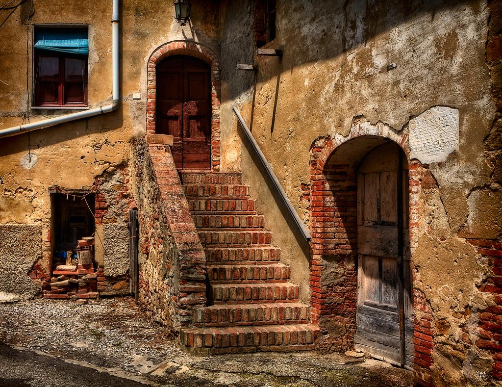 Rifugiati e nuove politiche di ripopolamento dialoghi for Foto di case antiche