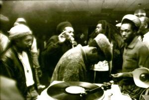 Giovani Rasta di origini giamaicane all'inizio degli anni 80