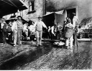Palermo, Mercato del tonno, 1895 (foto Alinari)