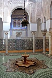 Stella a otto punte nel pavimento del mausoleo del   sultano Mulay Ismail Meknes