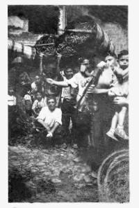 Scene di vendemmie peloritane, coll.Museo Cultura e Musica Popolare dei Peloritani villaggio Gesso Messina