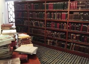Uno scorcio dei libri della Biblioteca di Fes