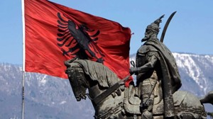 Tirana, monumento a Skanderbeg