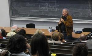 Lutt durante un seminario a Milano