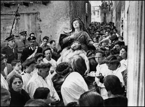Venerdì-Santo-a-San-Fratello-ph-David-Seymour-1955.