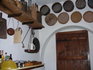 Setacci e altri utensili in cucina (@Carlestal)