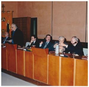 Palermo, Palazzo Steri, febbraio 2002 Inaugurazione del Convegno per i cinquant'anni del Centro di studi filologici e linguistici siciliani. Da destra  De Mauro, Resta, Ruffino, Silvestri, Buttitta, Varvaro