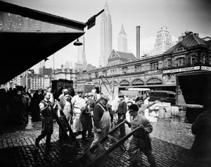 Fulton Fish Market, 1936, foto di Berenice Abbott