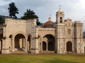 -Chiesa-domenicana-di-San-Pietro-e-Paolo-con-cappella-aperta-indigena-in-Teposcolula-Messico-sec.-XVII-ph.-Niglio.
