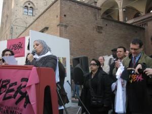 bologna-donne-musulmane-in-una-manifestazione-di-libera-in-presenza-del-sindaco-merola-ph-m-r-di-marco