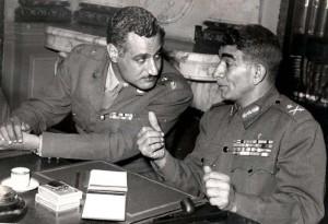 neghib-e-nasser-in-uniforme-militare