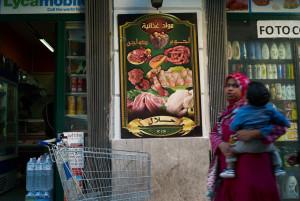insegna-e-negozio-halal-in-via-maqueda