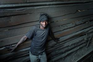 Tanzania giovane minatore (ph.Africa exPress).