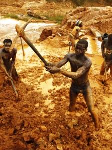 Miniera d'oro in Ghana (Amnesty International).