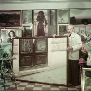 Giacomo-Balla-nel-suo-studio