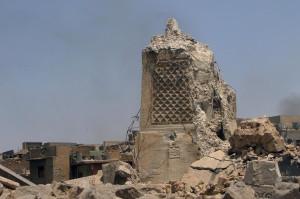 Mosul (Iraq). Lo storico minareto al-Hadba presso la moschea di Grand al-Nuriin Nuri distrutto il 22 giugno 2017 (Cortesia d Alaa Al-Marjani, The Crusader Journal Publishing).