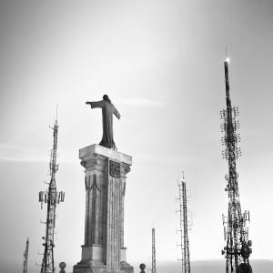 .Statua di Cristo su monte Toro Ano, (ph. P. Thomson)