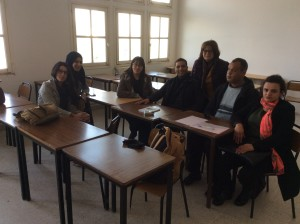 """Faculté di Lettres """"La Manouba"""" - Tunisi , 28 febbraio 2017 Laura Faranda con i dottorandi Miriam Gabsi, Slimane Ibtissems, Mehrrez Olfa, Rayen Arfaoui, Mabrouk Bouchoucha, Jihenè Rajhi"""