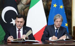 al-Serraj-e-Gentiloni-firmano-laccordo-sulle-migrazioni.