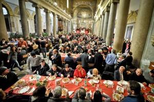-Il-Pranzo-di-Natale-nella-Basilica-di-Santa-Maria-in-Trastevere-Roma.