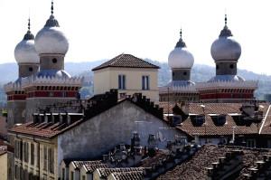 Sinagoga al quartiere di san Sakvario a Torino.