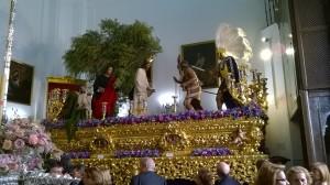 Jesús del Soberano Poder nella cappella di S. Andrés pronto a uscire in processione (ph. Burgaretta)