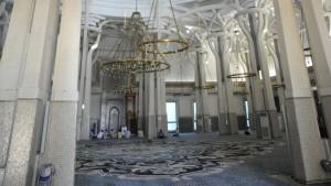 Interno-della-moschea-di-Roma.