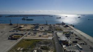Panoramica del porto di Augusta visto dall'alto.
