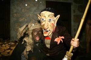 Rolar e Kheirar, personaggi principali del carnevale di Sauris.