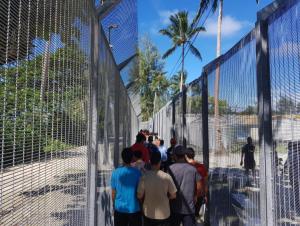 behrouz-boochani-rifugiati-e-recinzioni