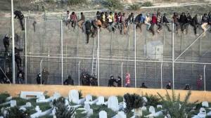 Al-confine-di-Melilla-tra-Marocco-Spagna-@Reuters.