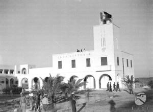 La-Casa-Littoria-di-un-villaggio-agricolo-di-colonizzazione-nellentroterra-libico-1938-Archivio-Istituto-Luce.