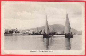 Schifazzi-a-vela-latina-nel-porto-di-Trapani-anni-20-propr.-Tonino-Perrera