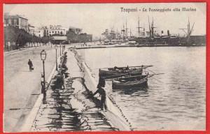 Porto-di-Trapani-le-reti-messe-ad-asciugare-al-sole-anni-'30-propr.-Tonino-Perrera