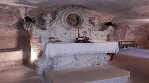 Altare-tardo-settecentesco-in-stile-rococò