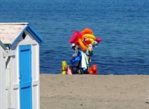 commercio-in-spiaggia-immigrati-spiaggia-p-img_0260-jpg