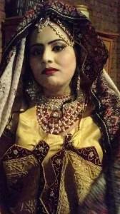 Pakistana-in-costume-da-sposa-ph.-Agha.